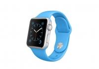 蓝色铝金属表壳搭配黑色运动型表带